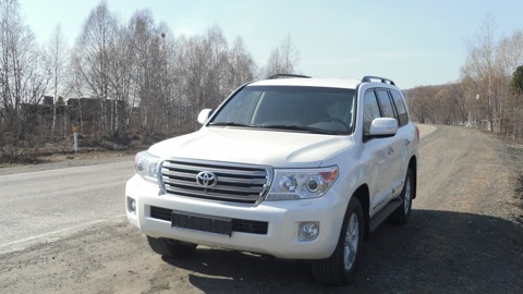 toyota-land-cruiser-200-2
