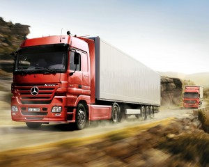 Mercedes-Benz-Actros-Truck-Dust-2048x2560